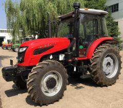 LT1004 Tracteur